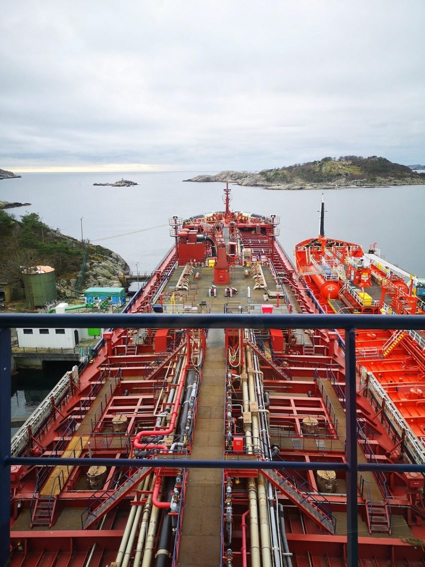 Ship Management services for Offshore, Tankers, Dry-Bulk Carriers, Cargo Carriers, Cruise & Passenger Vessels-min